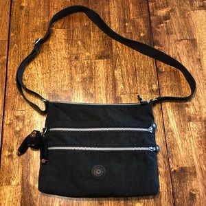 Cute! Kipling Black Crossbody Bag